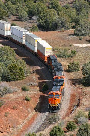 intermodal-container-on-flatcar